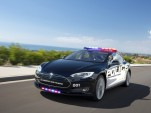 Simulation of Tesla Model S as a police cruiser
