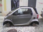 Smart ForTwo stripped by thieves, photo from +Motores
