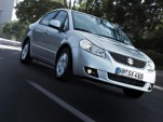 Suzuki SX4 sedan breaks cover