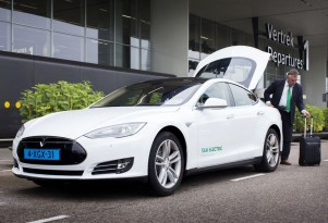 Tesla Taxis In Holland Follow Norway In All-Electric Green Cabs