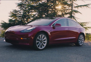 Tesla expects 200,000th U.S. sale this year, electric-car tax credits to start phaseout