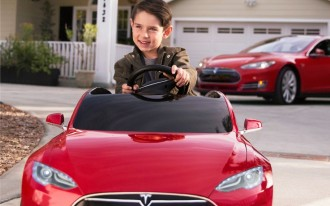 Tesla Model S By Radio Flyer: No Driver's License Required