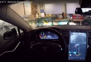 Creeping Toward KITT? Now Tesla Can Be Summoned And Park Itself (Video)