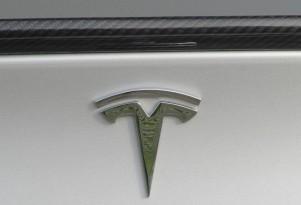 Tesla semi reportedly has 200 to 300 miles of range