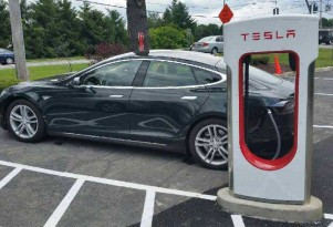 Tesla now tells electric cars about charger status en route