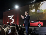 Tesla's CEO Elon Musk announces company will stay public, abandons private push