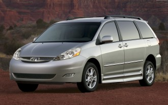 Toyota Recalls 615,000 Sienna Minivans For Roll-Away Issue UPDATED