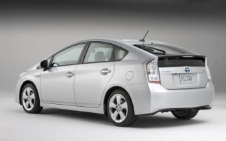 Toyota To Sell Old Prius Alongside 2010 Model In Japan
