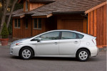 Toyota Prius recall in 2014 failed to fix problem, lawsuit says, may have cut mileage