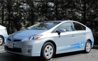 2012 Toyota Prius Plug-In Hybrid, Honda Fit, OnStar: Today's Car News