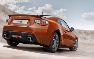 Best Car To Buy Awards, 2013 Toyota GT 86, 2012 Nissan Leaf: Car News Headlines