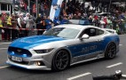 Ford Mustang police car leads 2017 Cologne Carnival parade