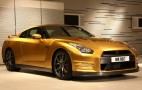 Usain Bolt To Aid GT-R Development, Auction Golden Example For Charity