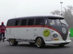 Volkswagen T1 Transport van packs a Porsche 993 Turbo engine