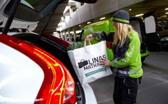 Volvo's 'Roam Delivery' Service Puts Junk In Your Trunk While You're Not Around