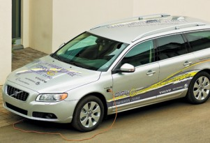 Volvo V70 Plug-in Hybrid Demo Car