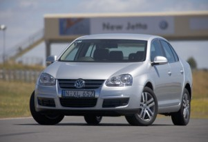 VW to release first hybrid in 2009