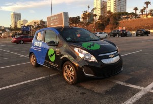 Ad-Supported Car Sharing Gives 2 Electric-Car Hours Free In LA