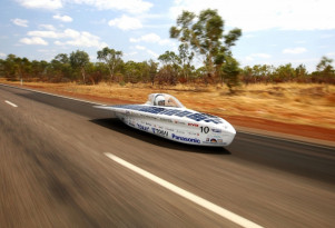 Solar-powered car race kicks off 30 years of World Solar Challenge